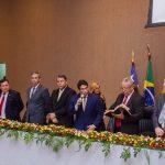 Osmar Filho participa da solenidade de entrega da Medalha Simão Estácio da Silveira