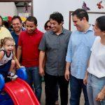 Prefeito e vereadores de São Luís entregam escola reformada