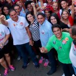 Osmar Filho acompanha Weverton em caminhada nos bairros de São Luís