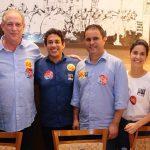 Ciro Gomes é recebido por lideranças políticas na capital