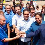 Osmar Filho participa da entrega de novos ônibus para a capital