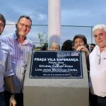 Lideranças inauguram Praça da Vila Esperança