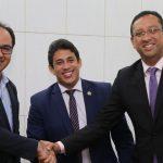 Osmar Filho celebra parceria que beneficiará servidores da CMSL com ingresso no ensino superior