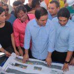 Osmar Filho prestigia assinatura de ordem de serviço da feira do Coroadinho