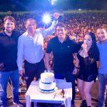 Nos braços do povo: Osmar Filho e Pedro Lucas prestigiam aniversário da Vila Luizão