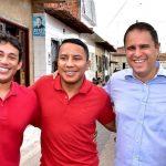 Osmar Filho comemora obras de asfalto em bairros da capital