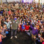 Centenas de pessoas prestigiam encontro de encerramento da campanha de Osmar Filho